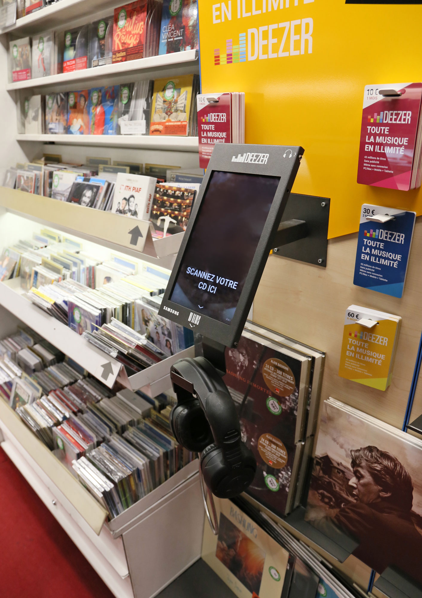 Deezer station in situation at the FNAC